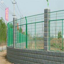 万泰防护围栏网 场地隔离网 长格铁丝网