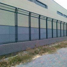 围墙框架护栏网 便于安装带框护栏网 体育场围网 篮球场围网 运动场防护网 学校操场隔离栅优盾厂家定做