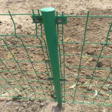 草绿色钢丝围山网焊接1.8*3米350mm护栏网直销 通辽围栏网厂家电话:13363336337